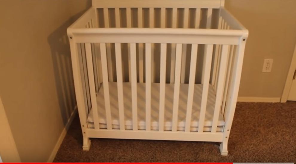 DaVinci Kalani Mini Baby Crib